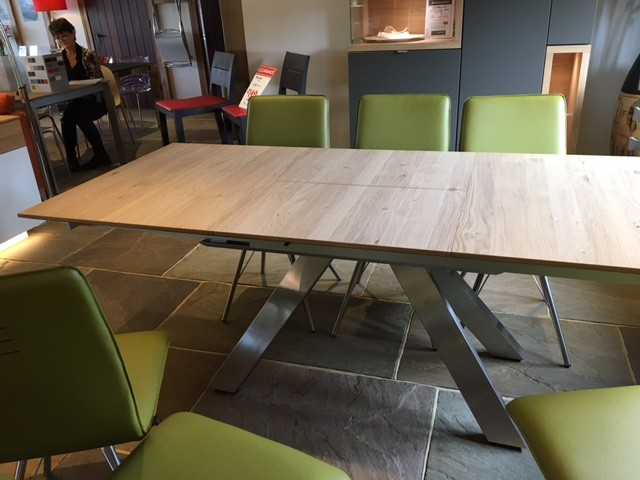 David Salmon Picassa dining table